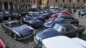 Raduno annuale Auto Maserati in piazza Duomo