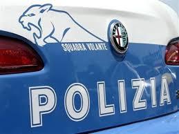 Fugge alla Polizia Stradale di Terni. Inseguito e arrestato