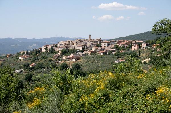 Montecchio entra a far parte del Club Borghi più belli d'Italia, cerimonia di consegna della bandiera al sindaco