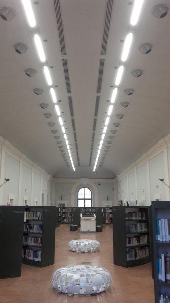 Nuova luce nella sala dei Lettori della biblioteca comunale L.Fumi
