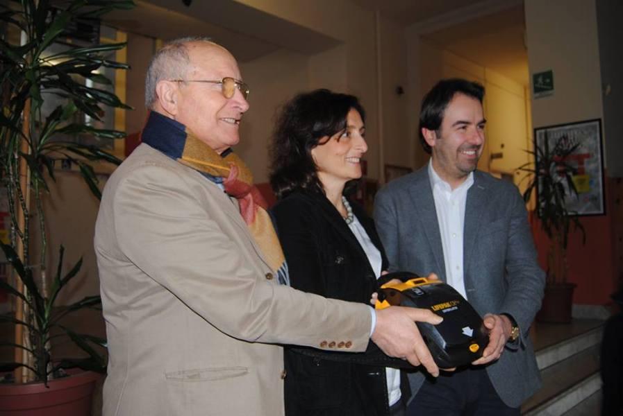 """Confartigianato Imprese Terni dona defibrillatore all'Istituto Tecnico Tecnologico """"Allievi-Sangallo"""""""