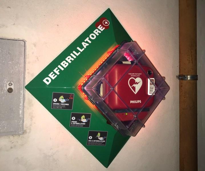 Castel Viscardo, installato nuovo defibrillatore grazie alla sinergia tra Istituzione e Associazioni del territorio