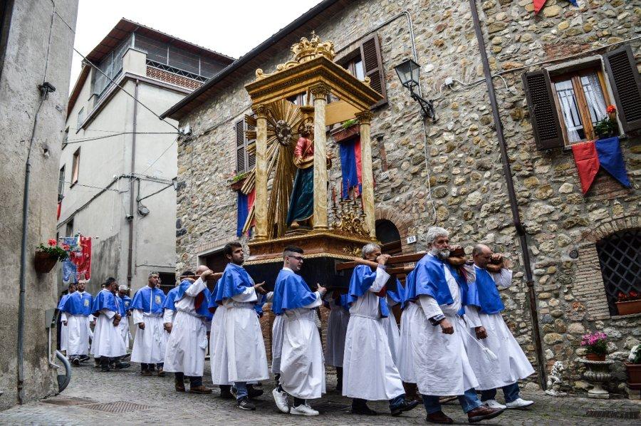 Il cardinale Sandri e il gesuita Astigueta  per la festa della Madonna Addolorata