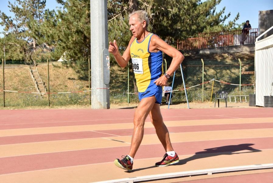 Nuovo record del mondo nella marcia per l'82enne Romolo Pelliccia