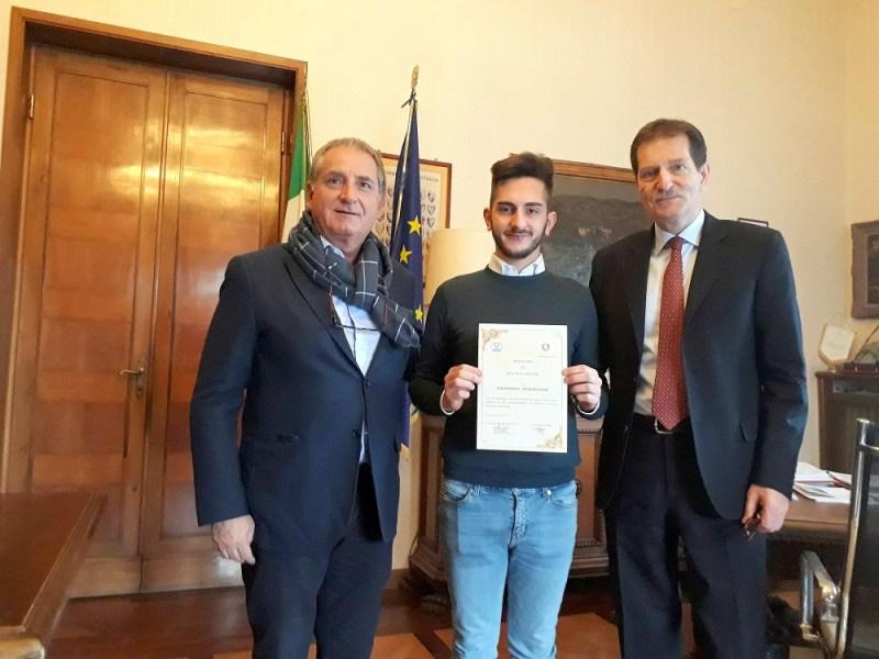 Premiato a Terni Emanuele Tomassori, è l'ideatore ventunenne del motorino richiudibile