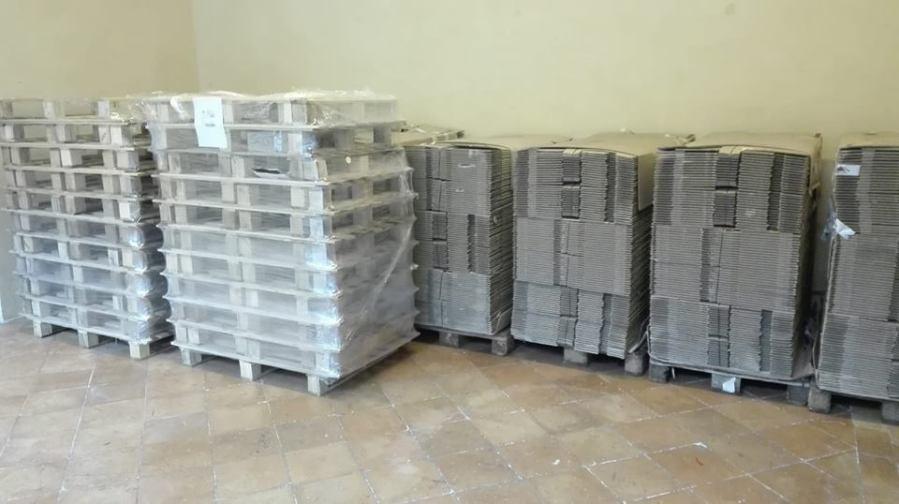 Un mese dalla chiusura della Libreria dei Sette, inizia l'imballaggio di 24mila libri