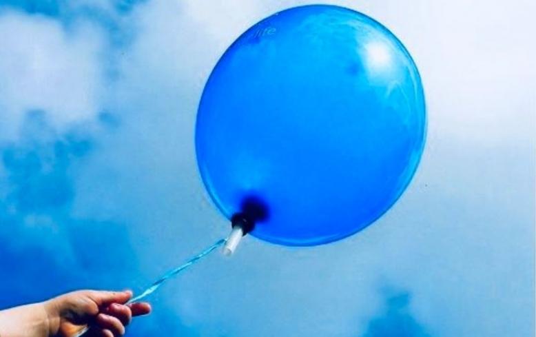 Giornata mondiale della consapevolezza dell'Autismo, la facciata del Palazzo comunale si illumina di blu