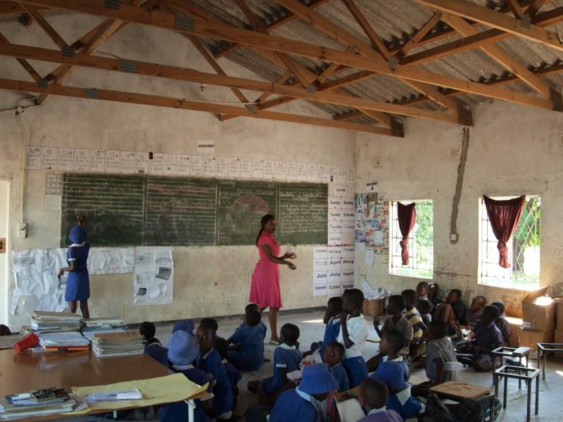 """""""Education is life"""", torna il mercatino del libro e del giocattolo dell'Associazione culturale """"IKHIWA per lo Zimbabwe"""""""