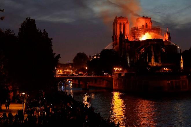 Incendio a Notre Dame di Parigi: Sindaco di Orvieto esprime vicinanza alla comunità parigina e francese