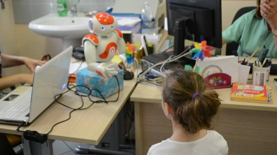 A Terni testato un robot umanoide per ridurre l'ansia nei bambini vaccinati