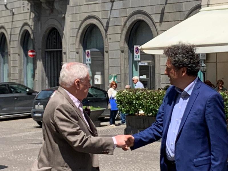"""Giuseppe Germani """"paparazzato"""" con l'ex sindaco Toni Concina. Colpo di scena in attesa del ballottaggio?"""