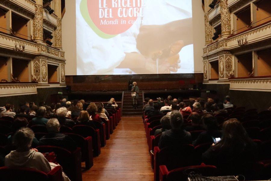 """Cibo, cuore e cultura. Al Teatro Mancinelli """"Le Ricette del cuore"""" dei ragazzi del Cpf di Orvieto"""