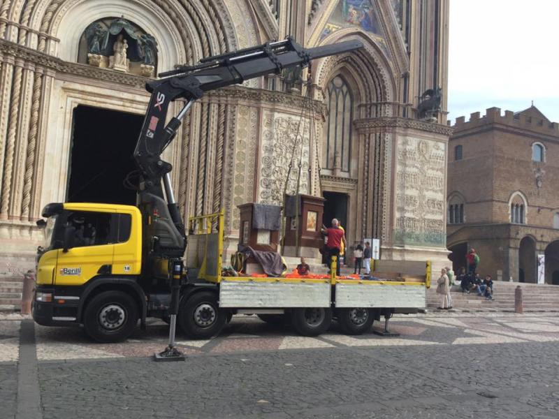 Caso inedito nella storia del restauro, il gruppo di lavoro che ha permesso il ritorno delle Statue in Duomo