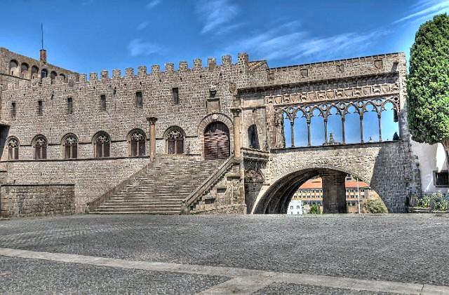 Viterbo, i Papi e i Pellegrini: teatro di narrazione per raccontare la città e il territorio