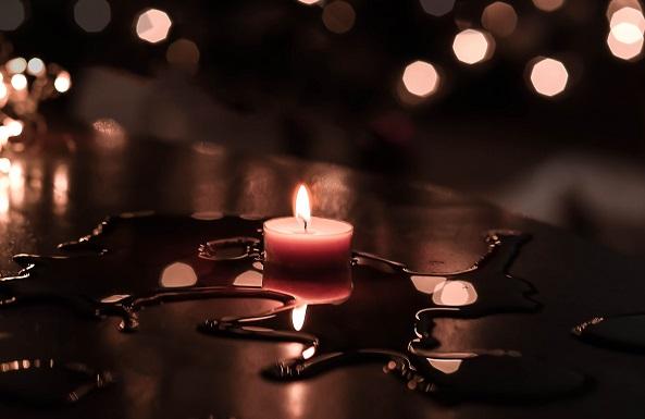 Candeluminaria per l'Immacolata, i desideri dei bambini illuminano il quartiere medievale