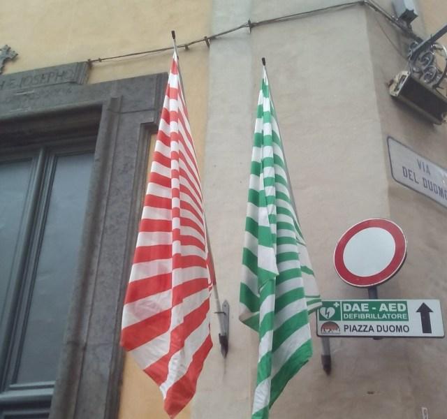 Rubata la bandiera del Quartiere Stella dalla Chiesa di San Giuseppe Patrono