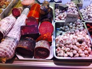 今回シャルキュトリ(豚肉加工食品)まで行けず。リヨンはソーセジも有名。