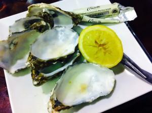 ごちそう様!美味しかった!私日本では生牡蠣食べないんです・・・。