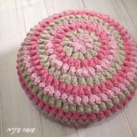 פוף פופקורנים מחוטי טריקו - עושה עיניים || T-shirt yarn / Trapillo - Crochet popcorn pouf
