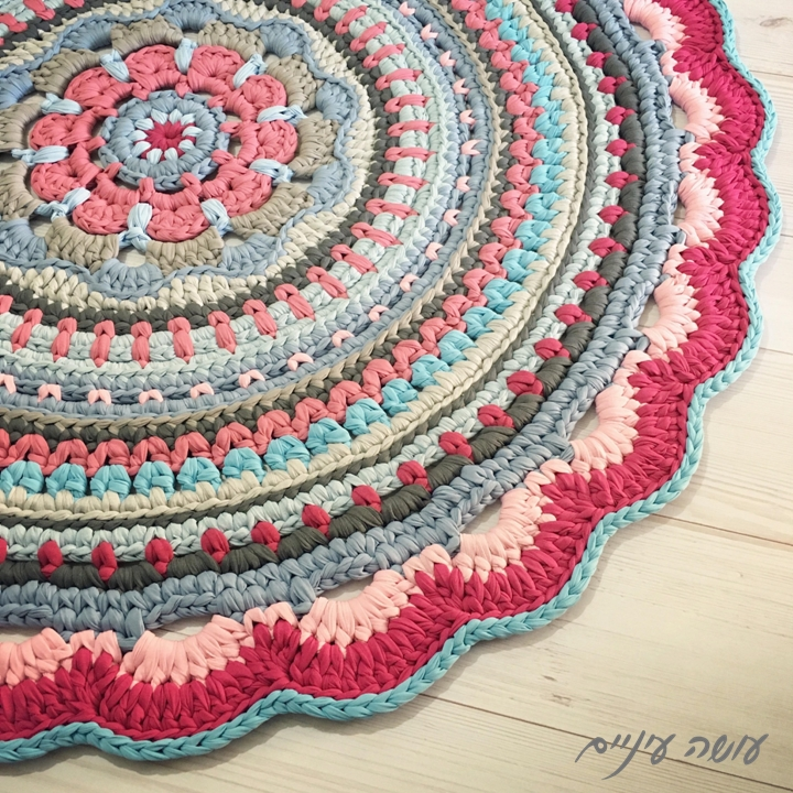 שטיח שרשרת מחוטי טריקו - הוראות סריגה - crochet t-shirt yarn chain rug pattern
