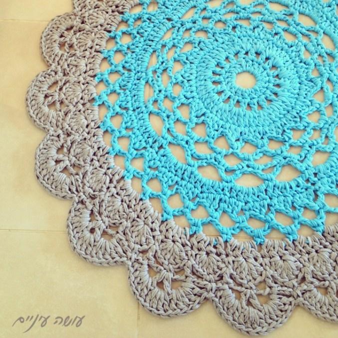 עושה עיניים - שטיח סרוג מחוטי טריקו    OsaEinaim - T-shirt yarn rug