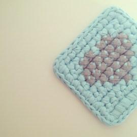 T-shirt yarn - Cross stitch on Crochet || by OsaEinaim