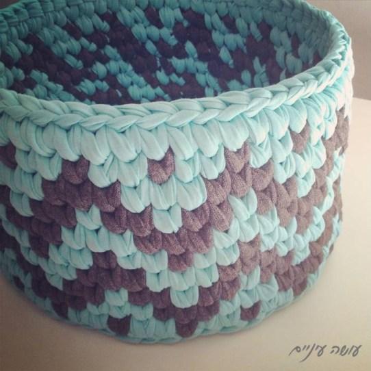 עושה עיניים - סל טפסטרי מחוטי טריקו || OsaEinaim - T-shirt yarn tapestry basket