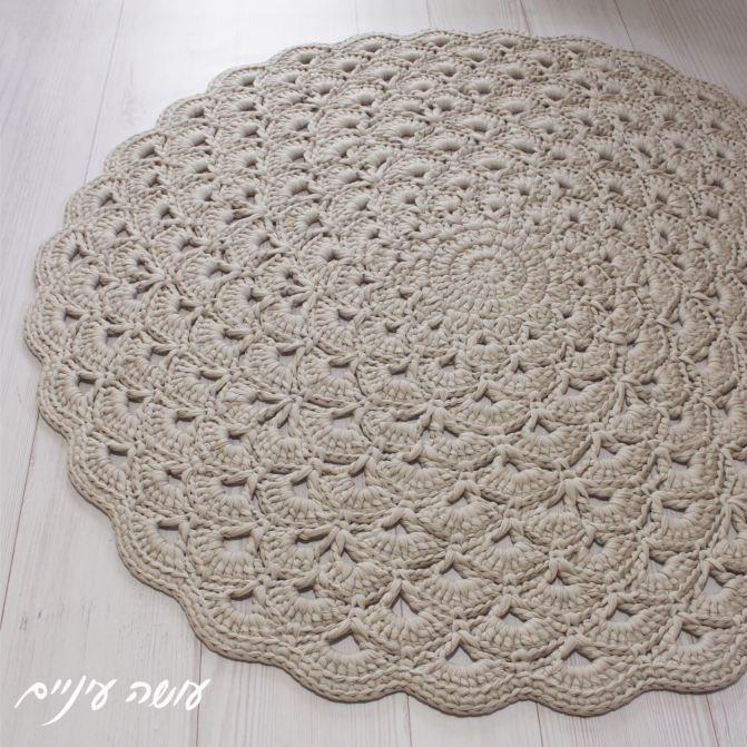 עושה עיניים - הוראות לסריגת שטיח מניפות מחוטי טריקו    Osa Einaim - Lotus flower rug - crochet t-shirt yarn rug