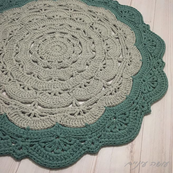 Snorka Bold - crochet doily t-shirt yarn rug pattern - by Osa Einaim || סנורקה בולד - שטיח דויילי מחוטי טריקו - עושה עיניים