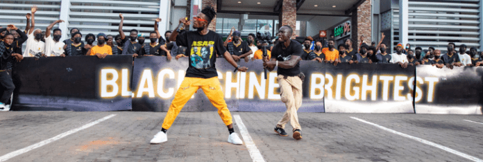 Incredible Zigi Storms Accra Mall with Guinness Ghana's Black Shines Brightest Flash Mob