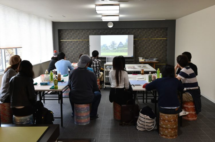 Learning the history of washi