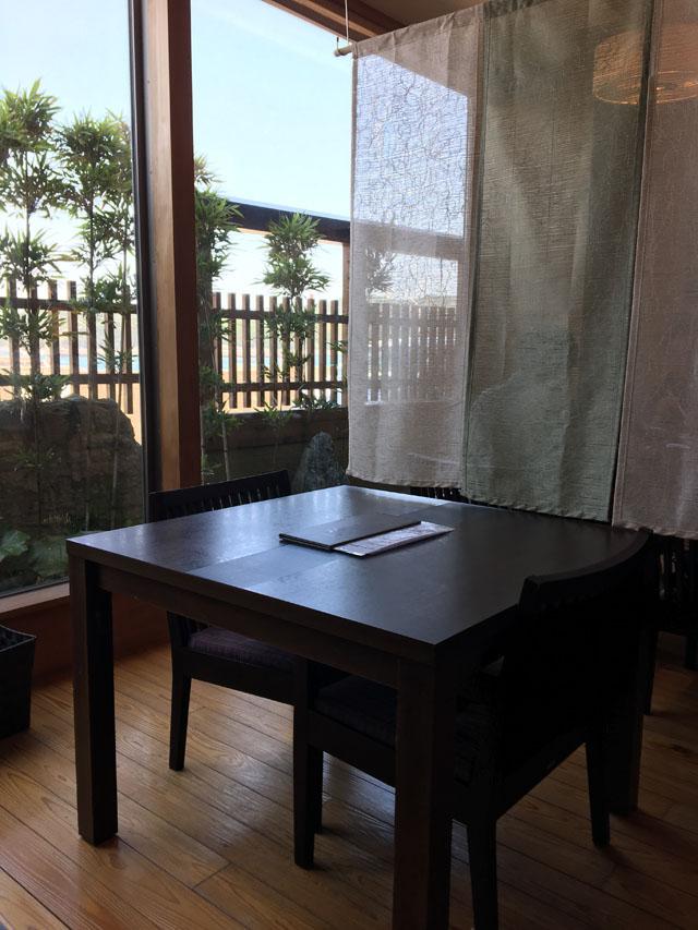 旬魚旬菜あくら,テーブル席,ひいなの湯,加太,淡島,