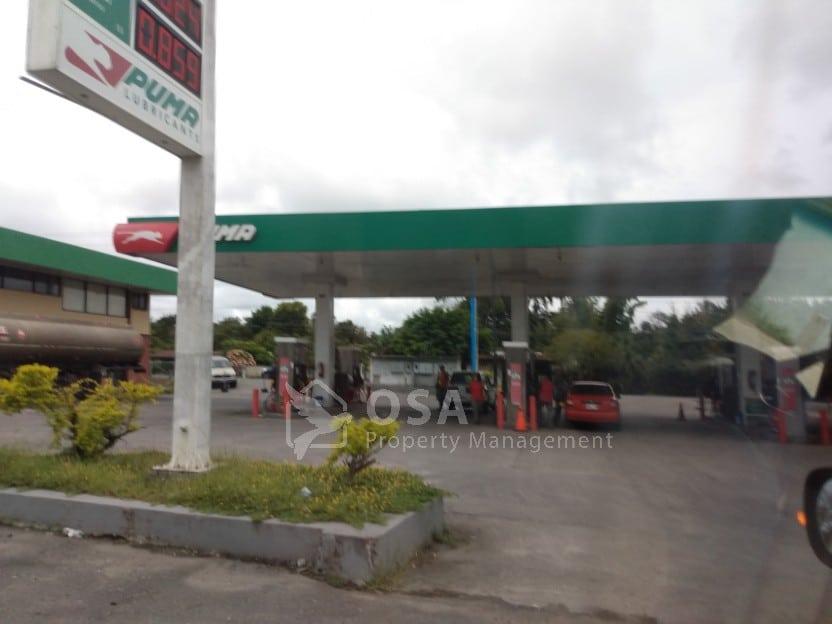 gas station panama border