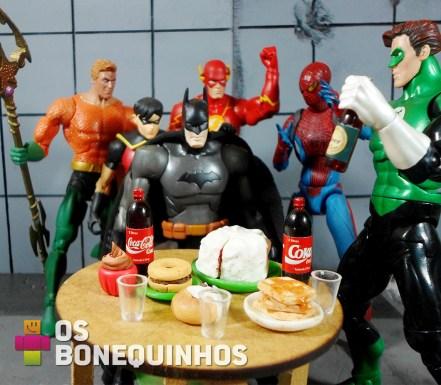 Batman fazendo 75 anos e temos um intruso na festa!