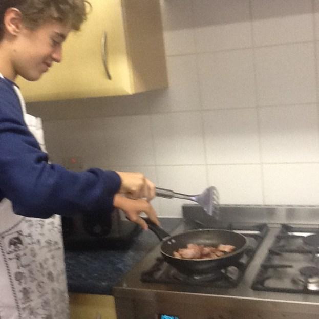16ar-bacon-sandwich-3