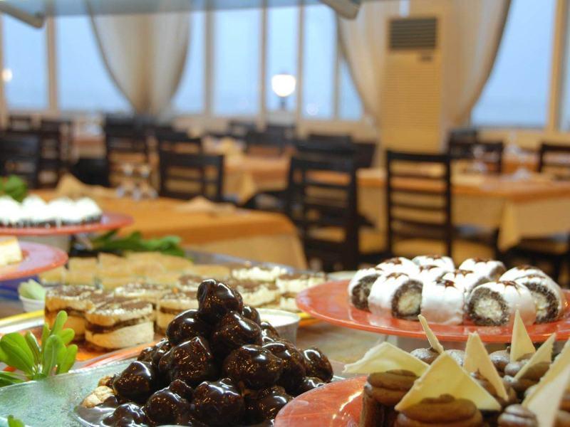 Open Buffed main restaurant