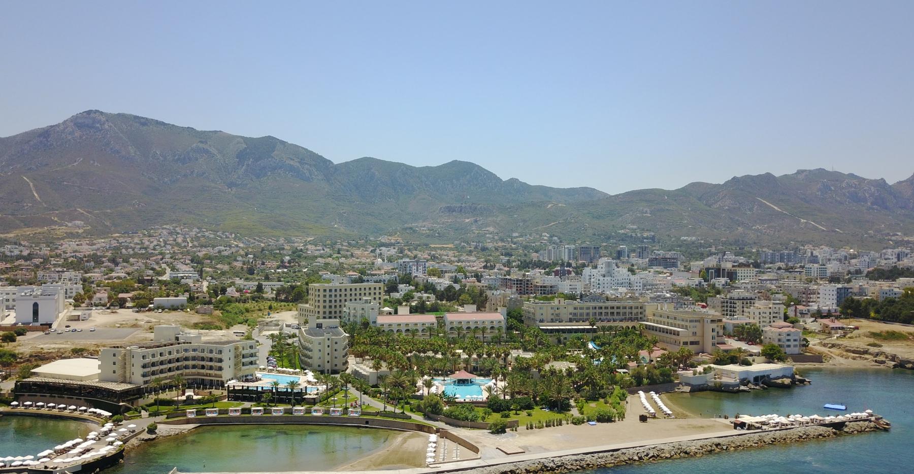 oscar_resort external view