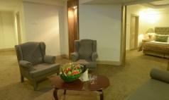 king suite saloon