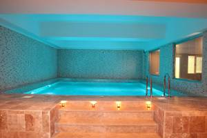 spa wellness indoor pool