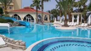oscar resort hotel poolsa