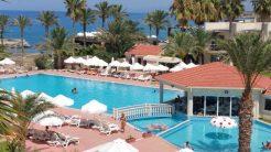oscar resort large pool