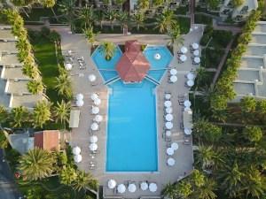 oscarresort-hotel pools