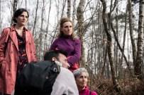 Fanny Pascaud, Sylvie Mandier, Cécile Morel & Bertrand Skol. Jeu & Caméra, directed by Hervé Brami, produced by Les Films du Faubourg, DOP Thierry Goron, Gaffer Christian Fleury.