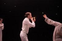 Les Bâtards Dorés - 100 millions qui tombent, filage au Théâtre de la Cité (TNT), Toulouse. Création lumière Lucien Valle. Ferdinand Niquet-Rioux, Lisa Hours & Jules Sagot.