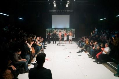 Les Bâtards Dorés - Méduse au 104, Paris. Mise en Scène collective. Lisa Hours, Jules Sagot, Manuel Severi & Romain Grard.