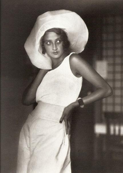 Renée Perle 1930. Jacques-Henri Lartigue © Ministère de la Culture - France / AAJHL http://www.lartigue.org / AAJHL