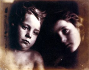 Julia_Margaret_Cameron_oenf_90_julia-margaret-cameron-surface-and-surface