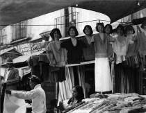 maniquis_RIENDO_1930
