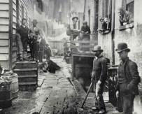 Bandits' Roost , 1888. Jacob Riis