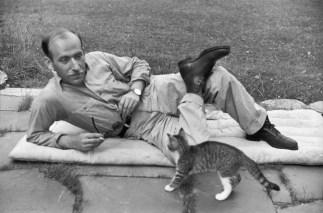 Saul Steinberg, Vermont 1947 Henri Cartier-Bresson